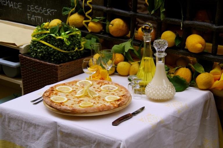 Lemon Pizza. Photo Vivie Bjørnstad